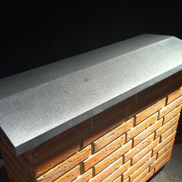 Muurafdekker Gezoet Grijs Graniet