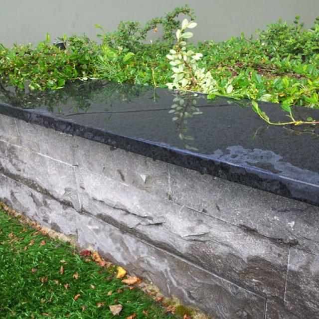 Vlakke Muurplaat Basalt Gezoet