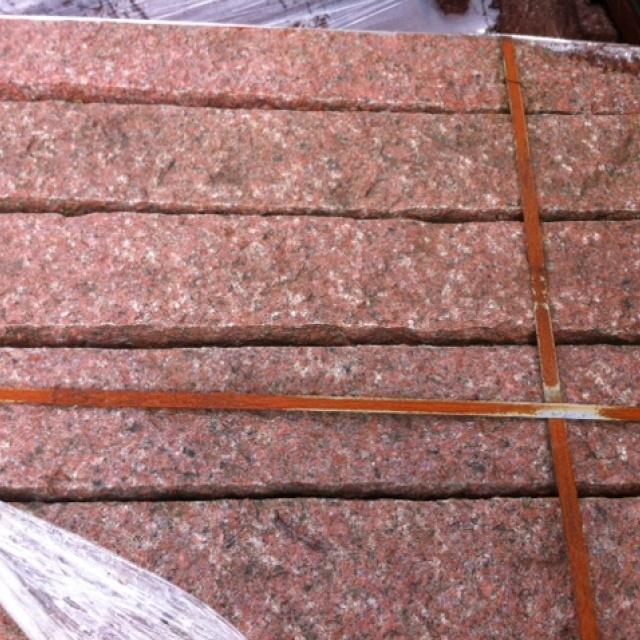 Stapelblok Graniet Behakt